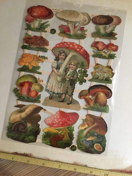 Paper scraps mushrooms MAKIstamps